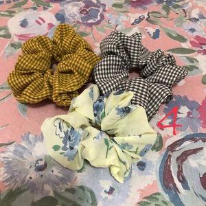 Accessories - Cute Scrunchie bundle🥰